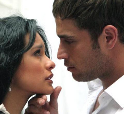 Открытка он и  она = любовь